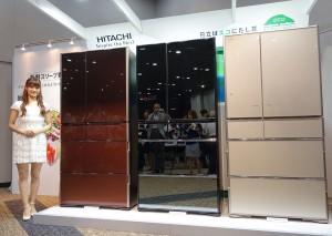 日立アプライアンスの冷凍冷蔵庫のプレミアムモデル「真空チルド」の新シリーズ。写真は最上位モデルの「R-X7300F」
