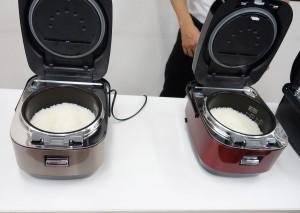 8月4日に発表された、日立アプライアンスの高級炊飯器「ふっくら御膳 RZ-WW3000M」の試食も