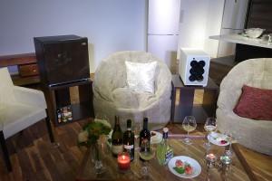 リビングに置けるワインクーラー「ラコルタ」シリーズに、小型冷凍庫「リビングフリーザー」シリーズ