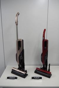 日立のコードレススティッククリーナーの新モデル「パワーブーストサイクロン PV-BD700」